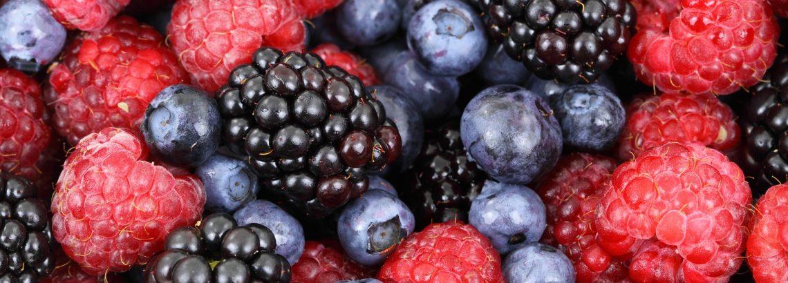 עוגת פירות יער